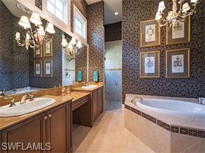 Naples Real Estate - MLS#216034300 Photo 15
