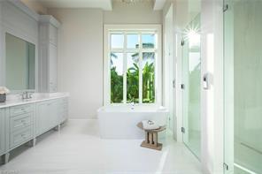 Naples Real Estate - MLS#217011101 Photo 12
