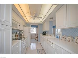 Naples Real Estate - MLS#217017903 Photo 16