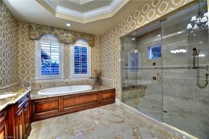Naples Real Estate - MLS#217024004 Photo 9