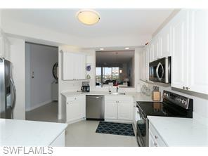 Naples Real Estate - MLS#215060405 Photo 12
