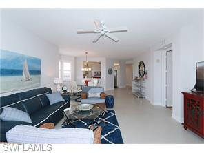 Naples Real Estate - MLS#215060405 Photo 14