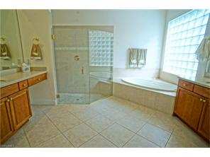 Naples Real Estate - MLS#216070605 Photo 16