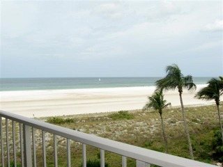 Naples Real Estate - MLS#211503107 Photo 4
