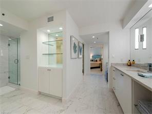 Naples Real Estate - MLS#216060607 Photo 4