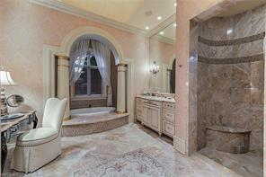 Naples Real Estate - MLS#216068009 Photo 12