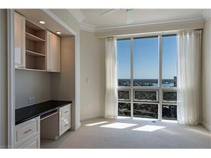 Naples Real Estate - MLS#217020111 Photo 10