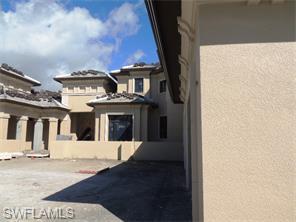 Naples Real Estate - MLS#215018616 Photo 9