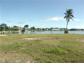 Naples Real Estate - MLS#216001420 Photo 12