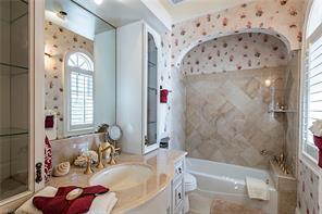 Naples Real Estate - MLS#216022322 Photo 15