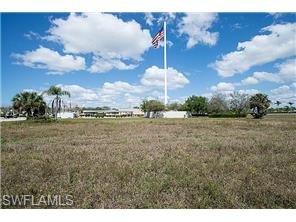 Naples Real Estate - MLS#215014026 Photo 9