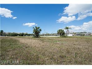 Naples Real Estate - MLS#215014026 Photo 12