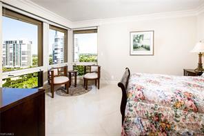 Naples Real Estate - MLS#217012326 Photo 6