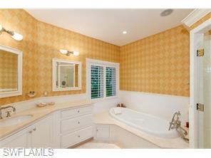 Naples Real Estate - MLS#215048030 Photo 23