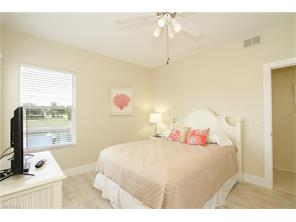 Naples Real Estate - MLS#216052032 Photo 13