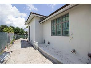 Naples Real Estate - MLS#217004234 Photo 13