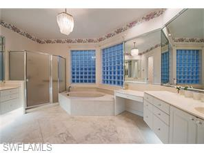 Naples Real Estate - MLS#216015935 Photo 8