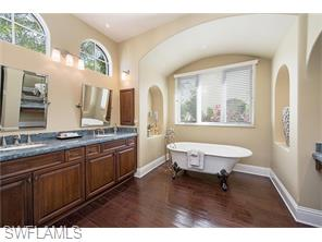 Naples Real Estate - MLS#215016936 Photo 10