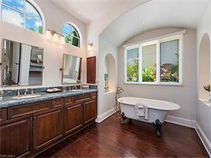 Naples Real Estate - MLS#215016936 Photo 9