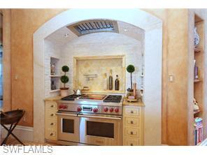 Naples Real Estate - MLS#215067036 Photo 9