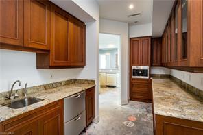 Naples Real Estate - MLS#216051037 Photo 11
