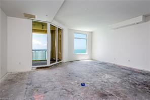 Naples Real Estate - MLS#216051037 Photo 14