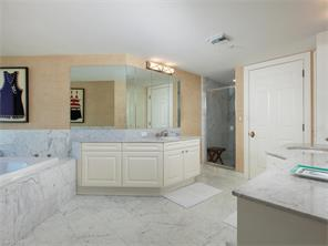 Naples Real Estate - MLS#217004937 Photo 5
