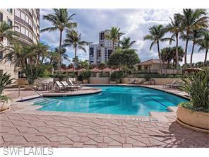 Naples Real Estate - MLS#215072638 Photo 9