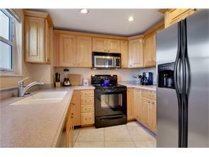 Naples Real Estate - MLS#216010738 Photo 25
