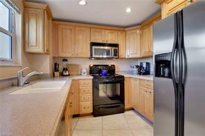 Naples Real Estate - MLS#216010738 Photo 17