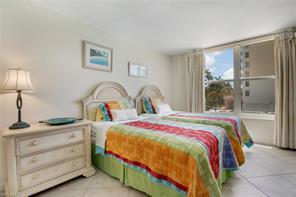 Naples Real Estate - MLS#216010738 Photo 23