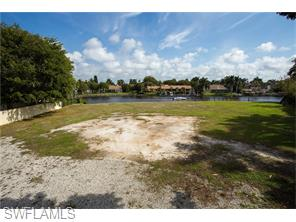 Naples Real Estate - MLS#216011338 Photo 10