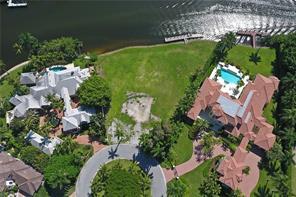 Naples Real Estate - MLS#216011338 Photo 9