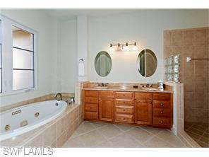 Naples Real Estate - MLS#216018642 Photo 12