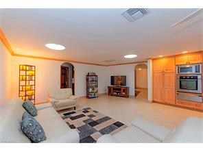 Naples Real Estate - MLS#216061344 Photo 3