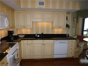 Naples Real Estate - MLS#216062046 Photo 3