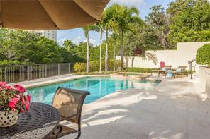 Naples Real Estate - MLS#216073048 Photo 10