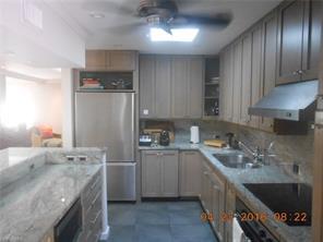 Naples Real Estate - MLS#215039358 Photo 10