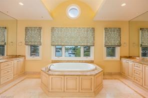Naples Real Estate - MLS#217019358 Photo 10