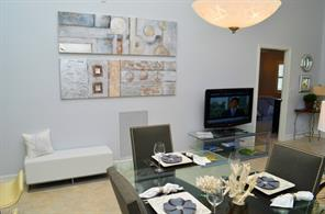 Naples Real Estate - MLS#215020561 Photo 3