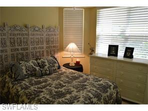 Naples Real Estate - MLS#215029561 Photo 4