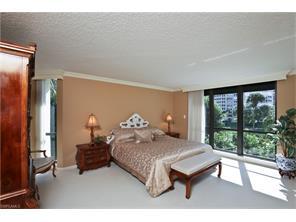 Naples Real Estate - MLS#217001761 Photo 17