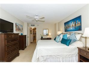 Naples Real Estate - MLS#215039564 Photo 15