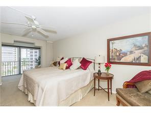 Naples Real Estate - MLS#215039564 Photo 17