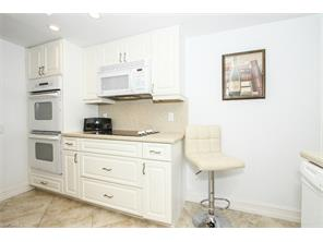 Naples Real Estate - MLS#215039564 Photo 7