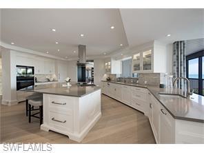 Naples Real Estate - MLS#216006364 Photo 3