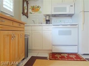 Naples Real Estate - MLS#216018764 Photo 5