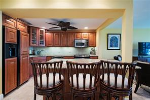 Naples Real Estate - MLS#216025471 Photo 4