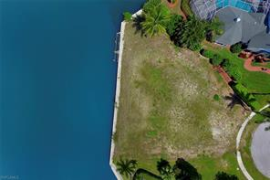 Naples Real Estate - MLS#217028371 Photo 14