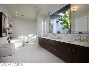 Naples Real Estate - MLS#215026572 Photo 17